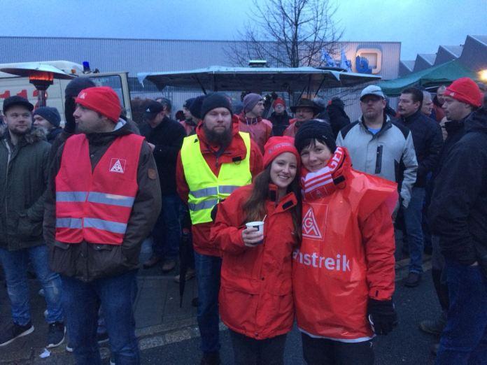 Piquete del sindicato IG Metall durante las movilizaciones por la subida de salarios y la jornada laboral de 28 horas. Foto: IG Metall
