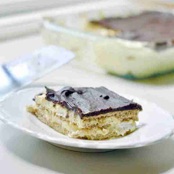 No-Bake Chocolate Eclair Icebox Cake