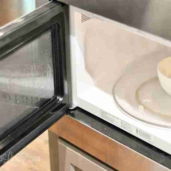 Cleaning 101: How to Clean a Microwave