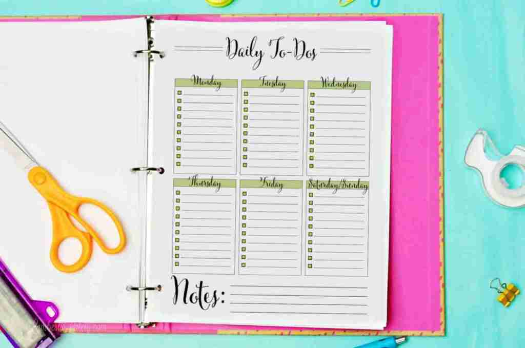Grab this free daily to-do list printable and get ideas for things to do with it. This simple template will work for a cleaning schedule, time management blocks, and more!