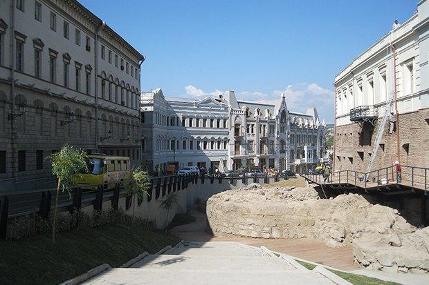 3 прогулочных маршрута по Тбилиси . Изображение №35.