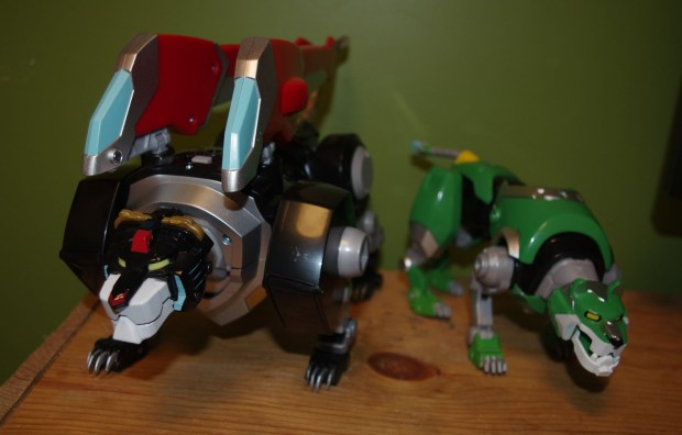 Voltron Black Lion Green Lion