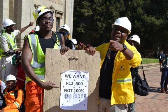 GET THE MESSAGE: Witsies making sure Vuvu journalists know what their message is about. Photo: Lameez Omarjee