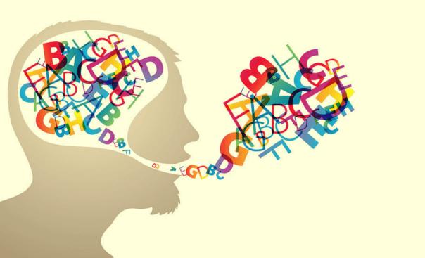 Cerebro con letras para representar la hipótesis de Sapir y Whorf