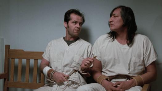 Randle con otro paciente, personajes de la película Alguien voló sobre el nido del cuco