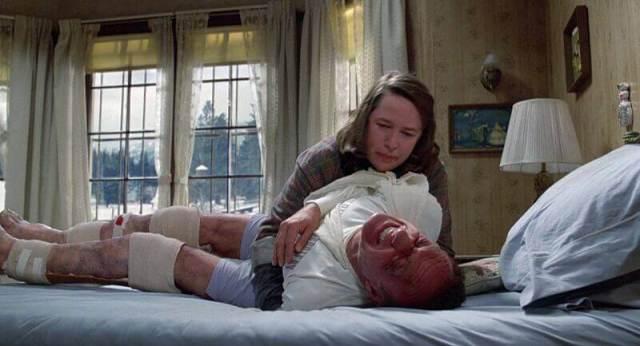 Annie Wilkes con la sua vittima