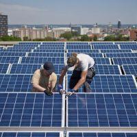 """La revista 'Forbes' se mofa del Gobierno español por poner un """"impuesto al sol"""""""