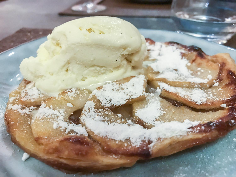 mesa-habla-restaurante-alma-javier-navarro-tarta-manzana