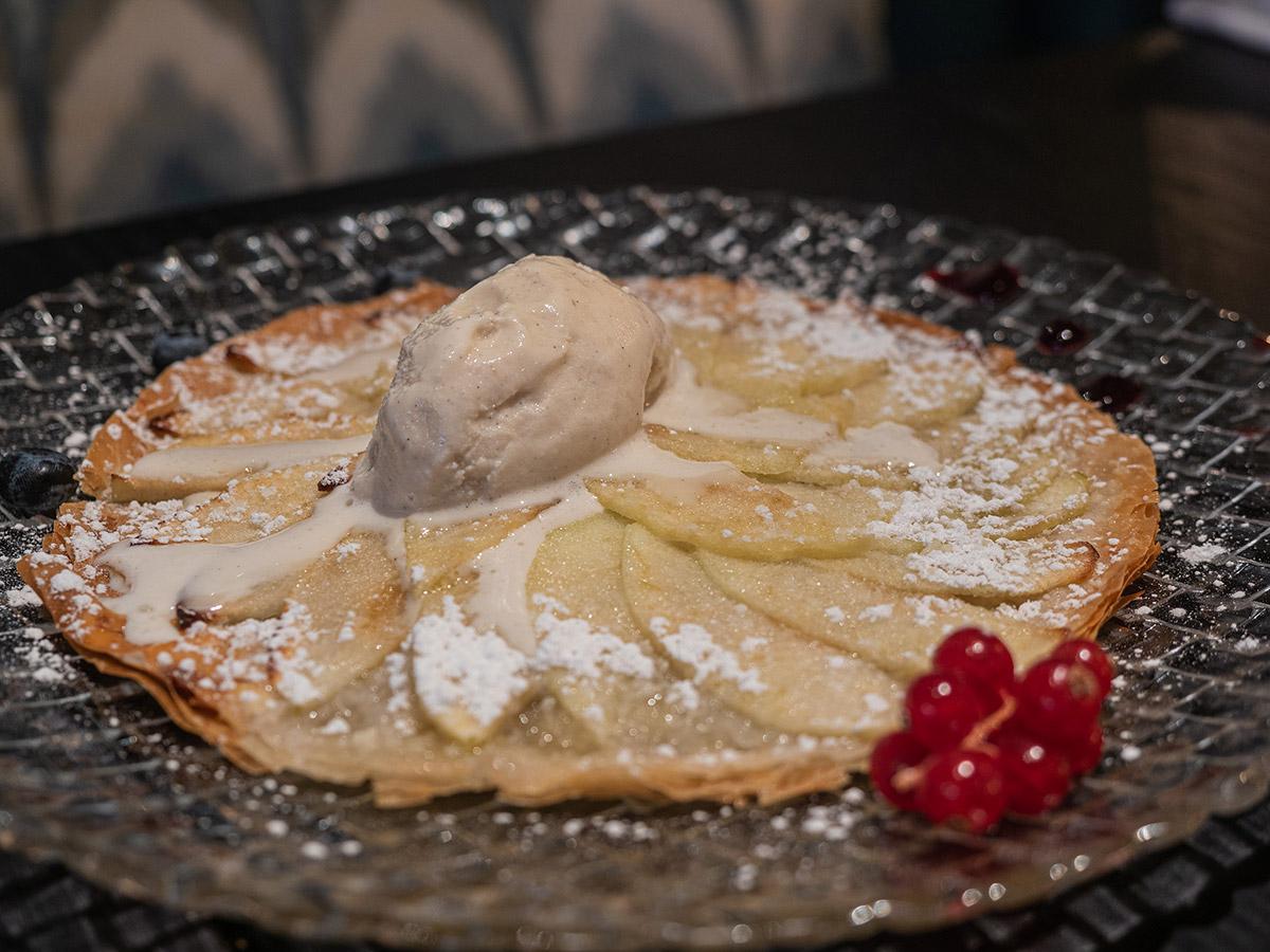 restaurante-dogma-madrid-mesa-habla-tarta-manzana