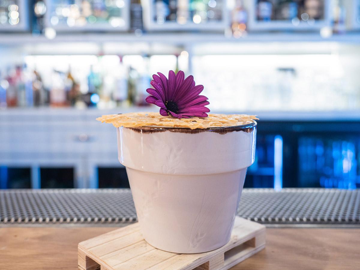 restaurante-dogma-madrid-mesa-habla-coctel