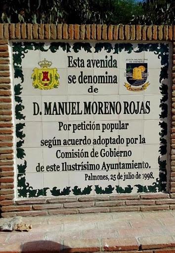 mesa-habla-monolito-manuel-moreno