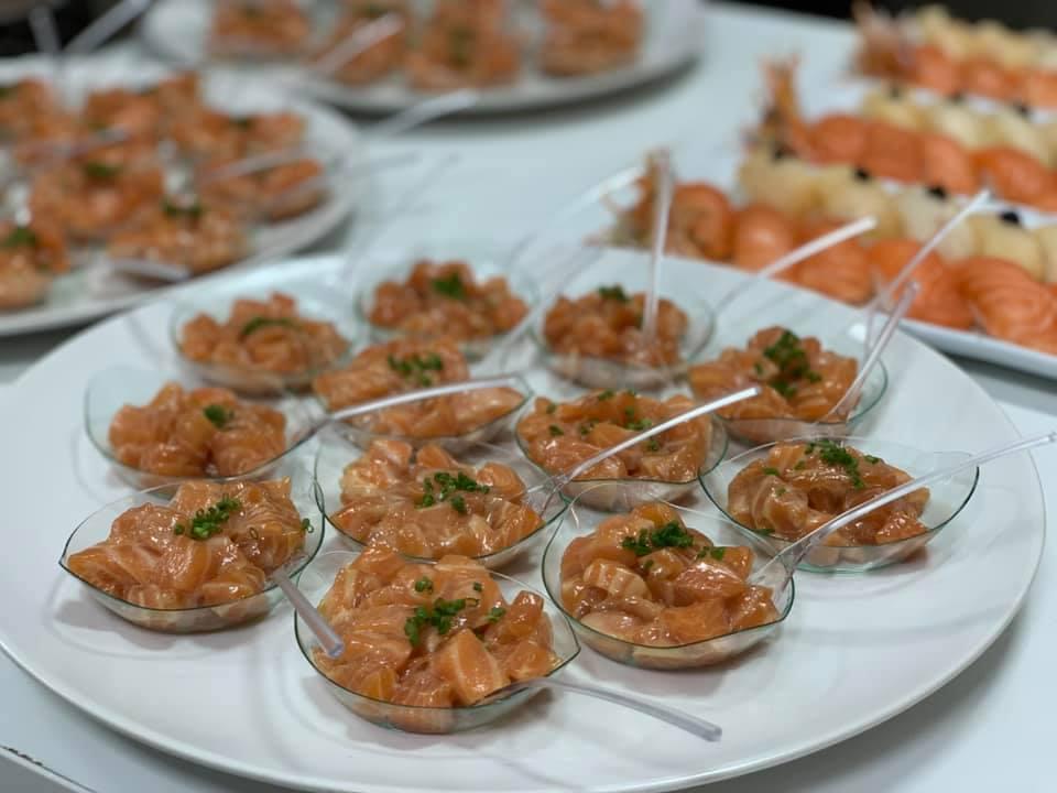 mesa-habla-etereo-pedro-nel-catering