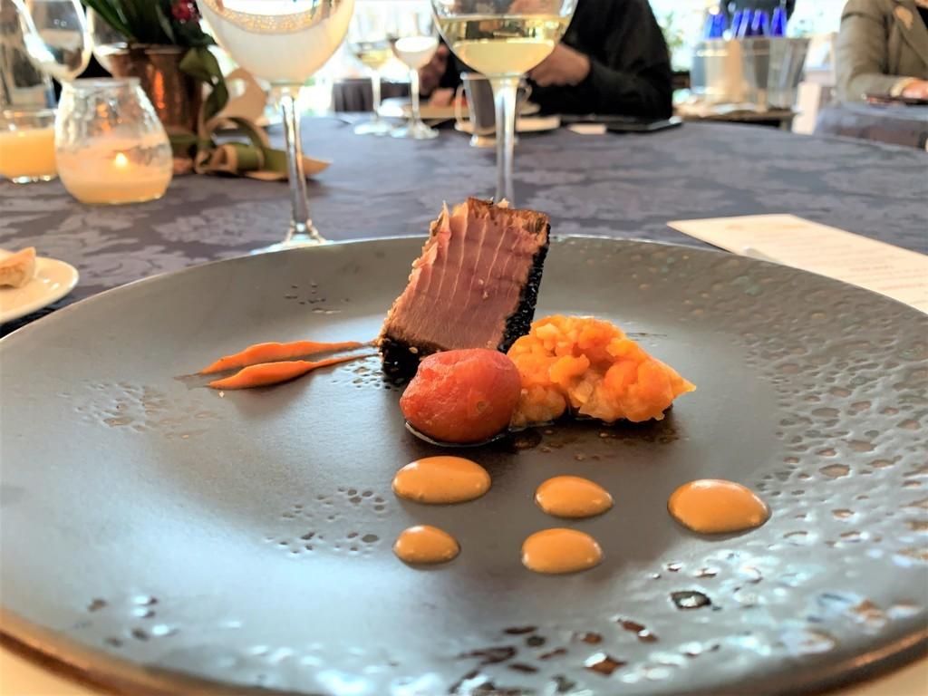 mesa-habla-hotel-palacete-ochava-atun-rojo-tres-texturas-tomate