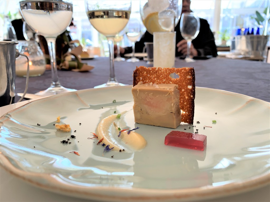 mesa-habla-hotel-palacete-ochava-foie-micuit-compota-temporada