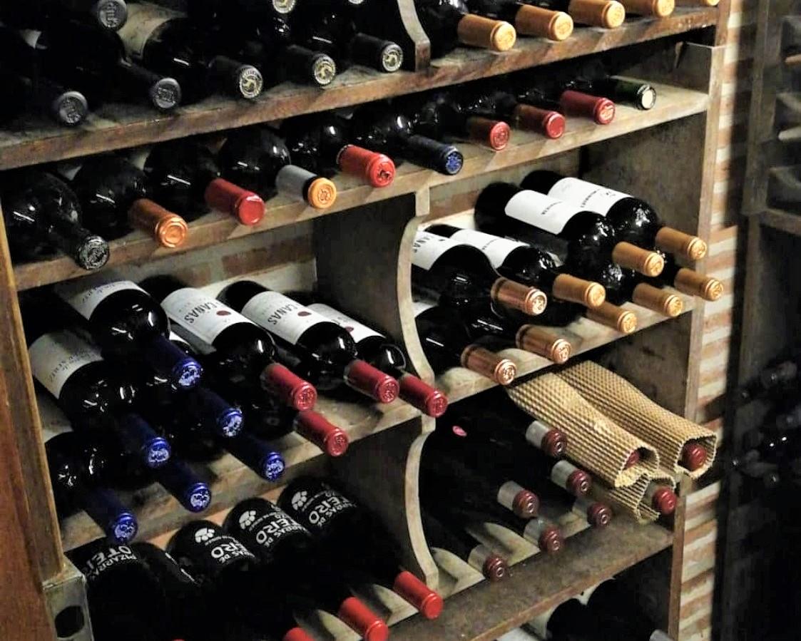 mesa-habla-pedrusco-aldealcorvo-cava-vinos