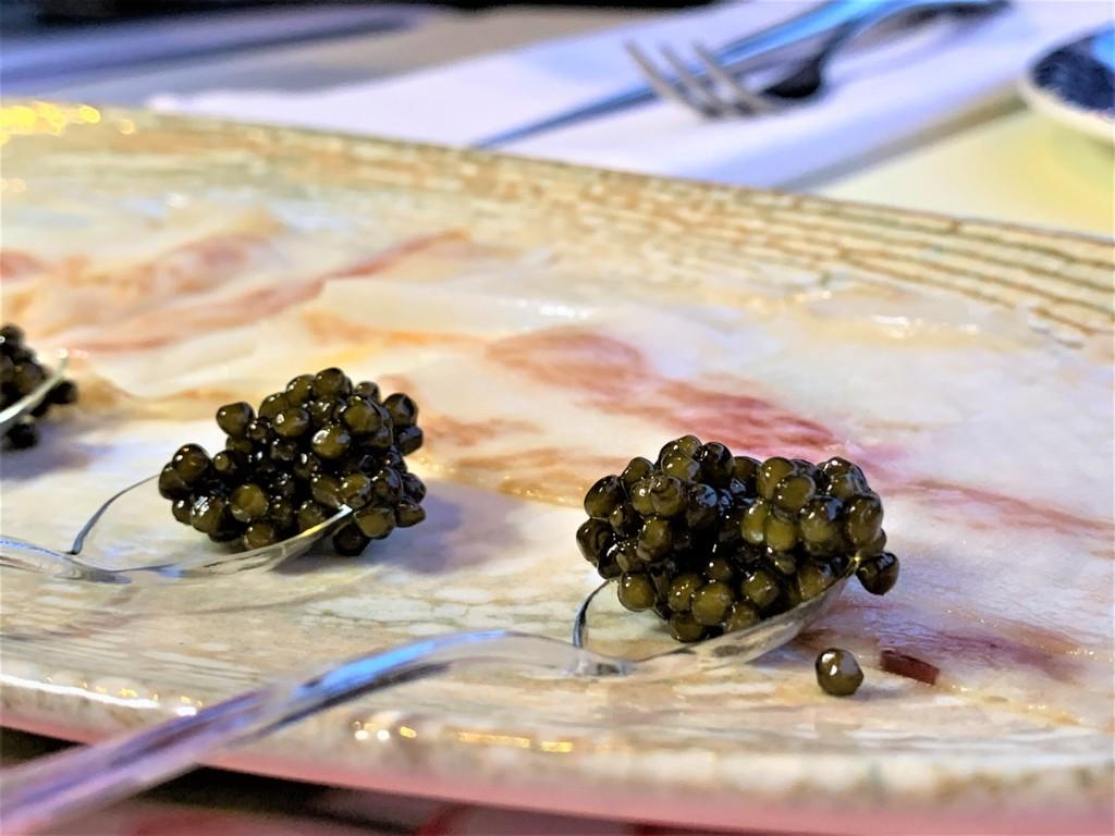 mesa-habla-restaurante-nena-papada-caviar