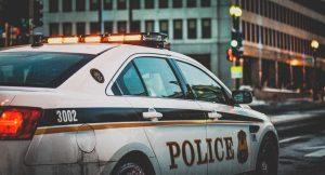 police sẽ giúp bạn khi lái xe ở mỹ
