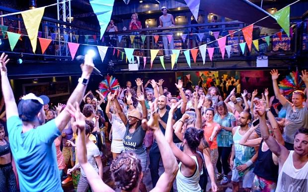 Feste senza alcool: la nuova frontiera del divertimento