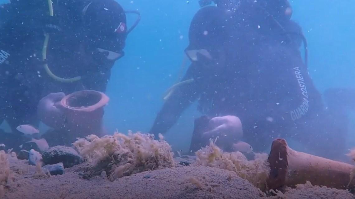 Puglia: Trovata una grotta carsica e dei reperti risalenti all'epoca fenicia, egizia e romana