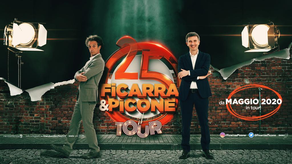 Ficarra e Picone passano da Barletta e Lecce per festeggiare venticinque anni di sodalizio artistico
