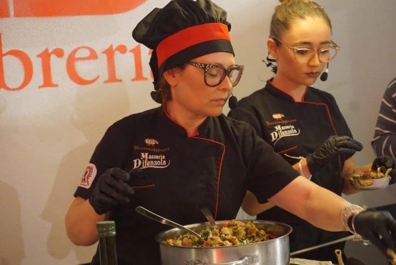 Il pancotto pugliese in trasferta alla Feltrinelli di Milano con la chef Giovanna Di Virgilio