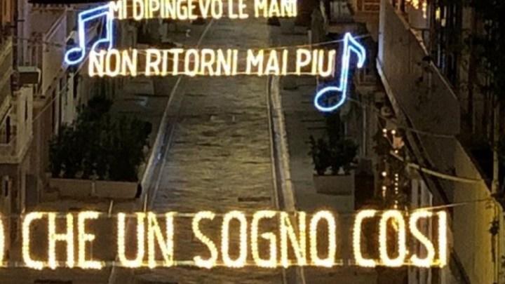 Polignano: Le luci natalizie cantano Modugno