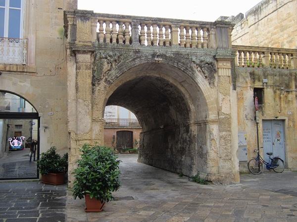 Arco di Prato: Quando un bene storico viene abbandonato.