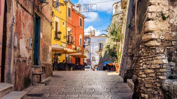 Mini-video su Vico del Gargano (Fg):  80 secondi per innamorarsi di questo borgo pugliese