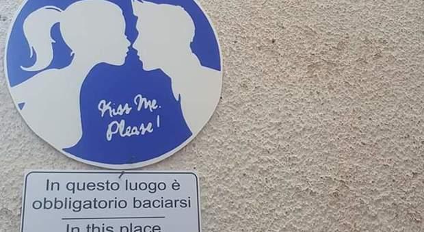 Castro e Torre dell'Orso: Due strade dove è obbligatorio baciarsi