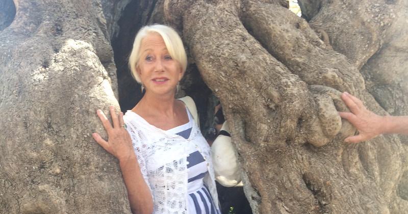 """Helen Mirren, l'attrice Premio Oscar vuole girare un film in Puglia: """"Adoro Checco Zalone"""""""
