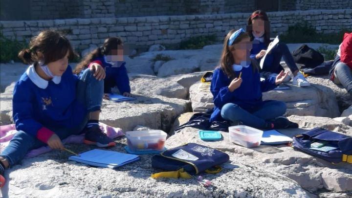 In Puglia si fa lezione al mare: l'esperienza di scuola diffusa a Bisceglie (Ba)