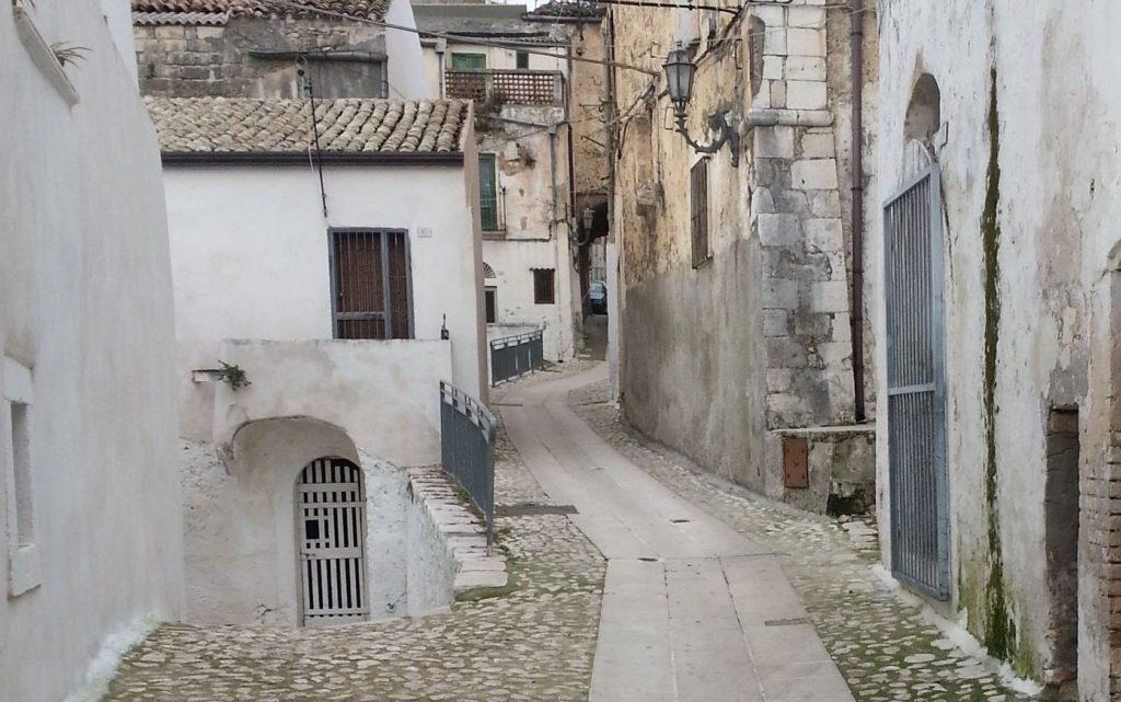 Cagnano Varano: origini e caratteristiche del borgo sul Gargano