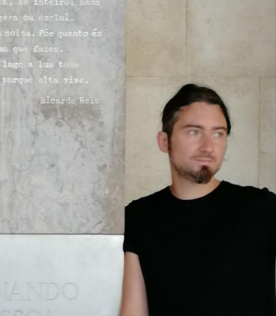 """Alessandro Galano, scrittore foggiano al suo esordio: """"L'uomo che vendette il mondo"""" è come uno specchio in cui guardarsi"""
