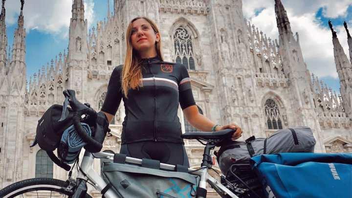 """Ilaria Fiorillo: """"Da sola, in bicicletta, viaggio da Milano a Foggia"""""""