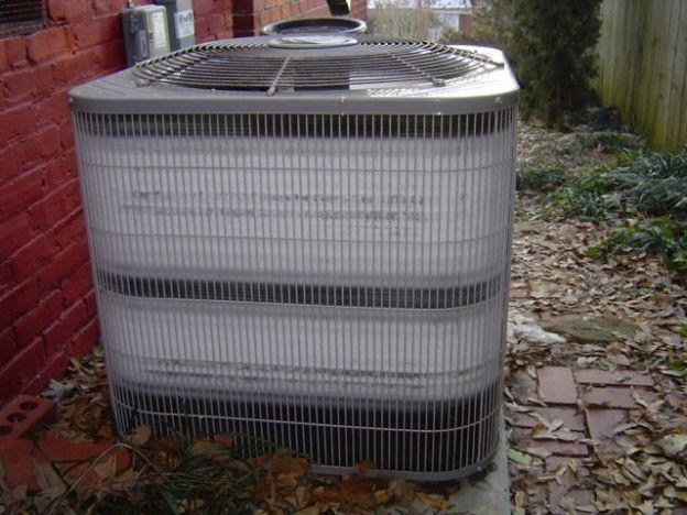 Sbrinamento pompa di calore aria acqua - formazione ghiaccio unità esterna