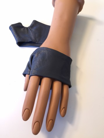 Mini Gloves