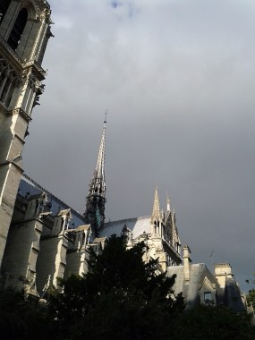 Notre-Dame de Paris laterale dx