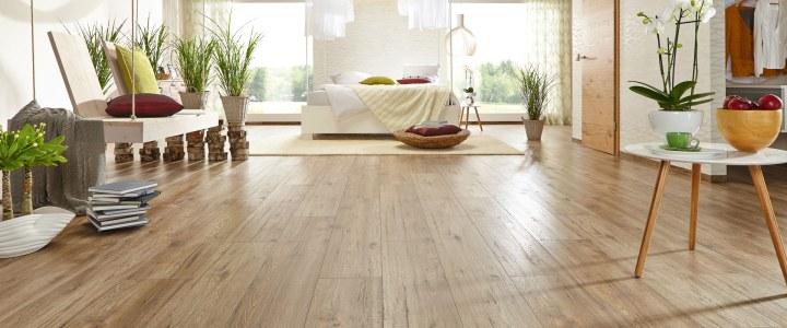 Wie gut ist Marken-Laminat im Vergleich zu Holz-Parkett?