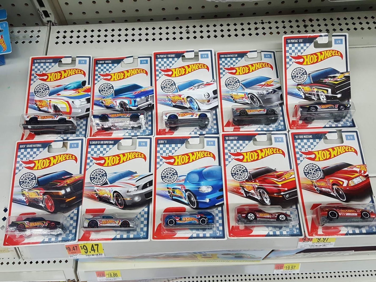 new hot wheels racing circuit being found at walmart. Black Bedroom Furniture Sets. Home Design Ideas