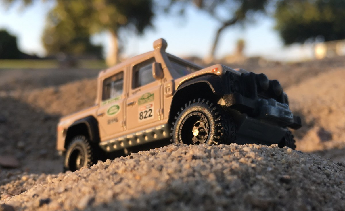Here comes the new Hot Wheels Land Rover Defender Double ...