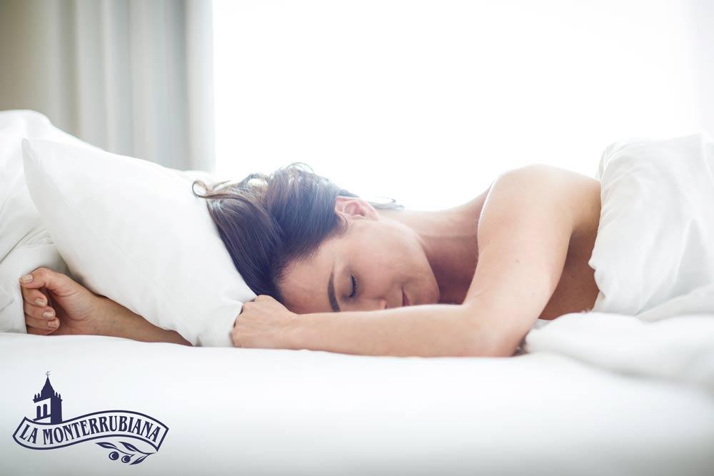 El Aceite-de-Oliva-en-la-Cara-antes-de-dormir