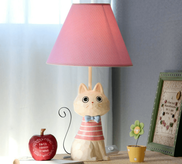 لامپ جدول به شکل یک گربه