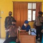 Vaksinasi massal di Puskesmas Paduan Rajawali. Foto: Albari