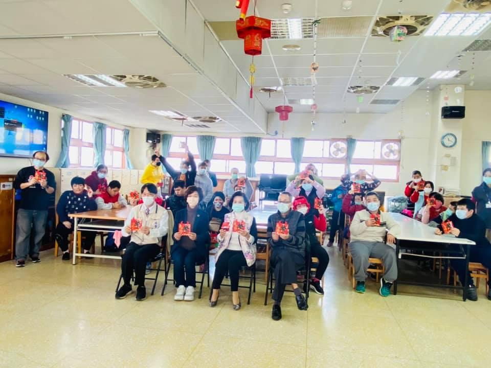 Read more about the article 年節加菜金 歡喜兒好開心❤❤❤