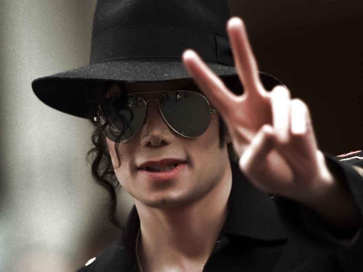 """Subastan por 10.000 euros el sombrero de Michael Jackson en """"Smooth  Criminal"""" 29443ccf952"""