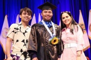 Manny Pacquiao se graduó en Ciencias Políticasy quiere estudiar en Harvard