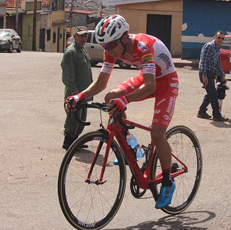 "Foto/Johnny Parra- El ""Tico"" Kevin Rivera se llevó la etapa al cronómetro en Palmira."