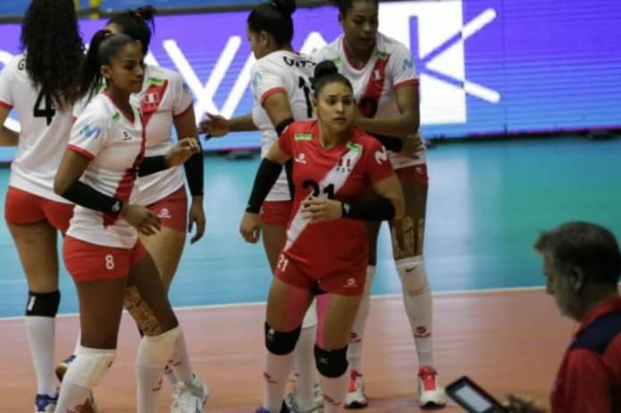 La selección de Perú femenina de voleibol comenzó el Preolímpico con derrota 3-0 ante Argentina.Federación Peruana de Voleibol