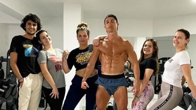 Cristiano Ronaldo, junto a su familia.Instagram