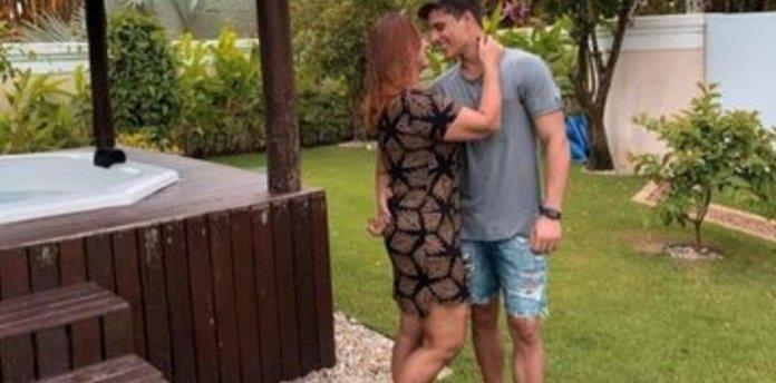 El nuevo padrastro de Neymar es un gamer de 22 años